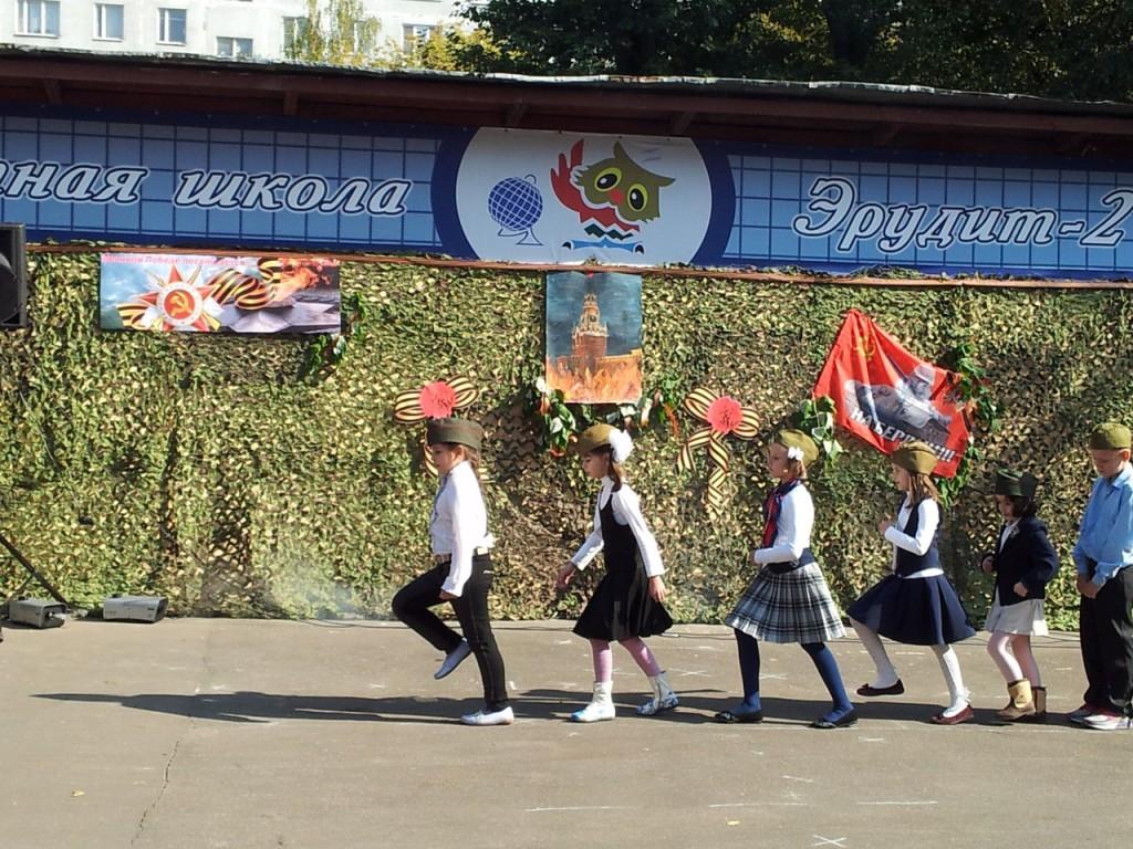 6xlpyvphmB0 Выставка рисунков к 70  летию Победы в ВОВ