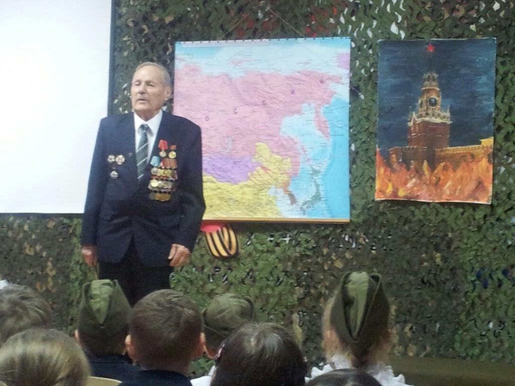 xHAemlmNiZk1 Выставка рисунков к 70  летию Победы в ВОВ