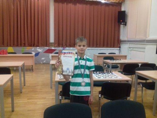 BuzinM foto 20161009 500x375 Победа в шахматных турнирах