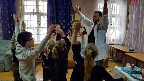 IMG 20180312 WA0032 500x281 Весёлый день рождения ученицы 2 кл Юлии Гапонюк