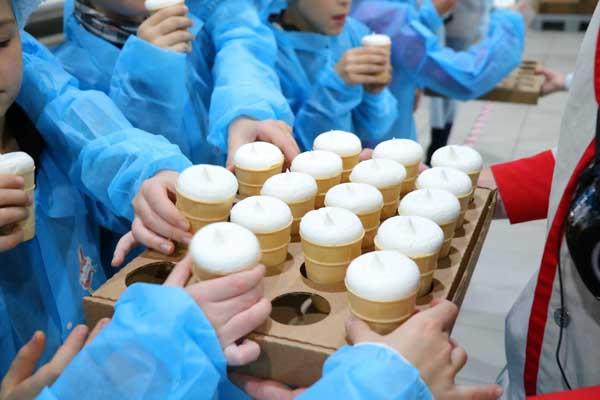 2mjr3c8 g7E Поездка на фабрику мороженого Чистая линия