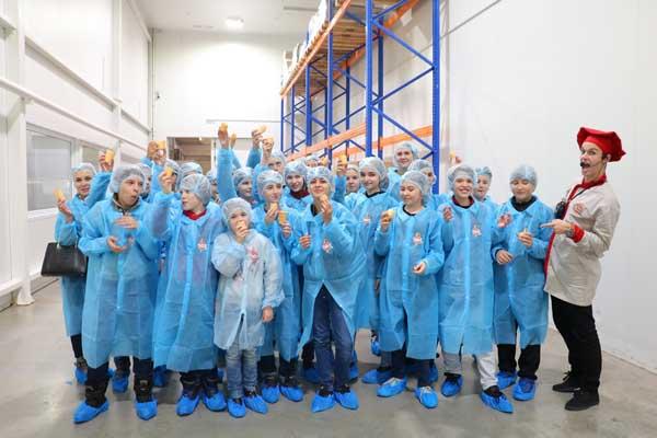 Jc8eSytjphA Поездка на фабрику мороженого Чистая линия