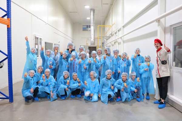 gVNwipbuSX4 Поездка на фабрику мороженого Чистая линия