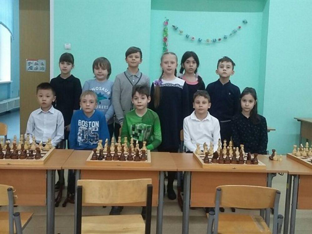Первые места на кубковом матче по шахматам